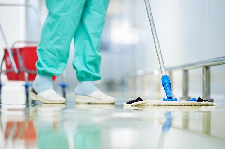 limpieza en clínicas y hospitales